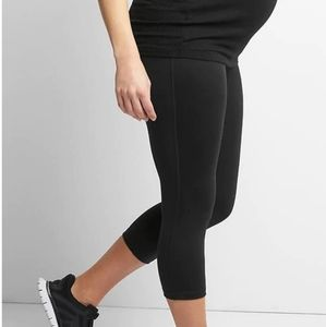 Gap maternity active wear capris